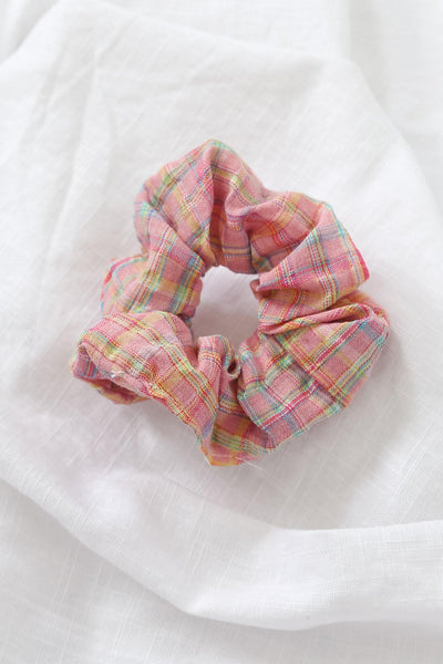 Village Girl Scrunchie Pink
