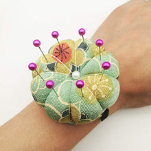 Load image into Gallery viewer, Floral Wrist Pin Cushion