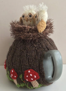 Owlets in the old oak tree - Knitted Tea Cosy Kit
