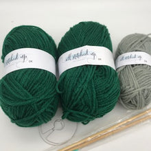 Load image into Gallery viewer, Harry Potter - Knit a Slytherin Hat