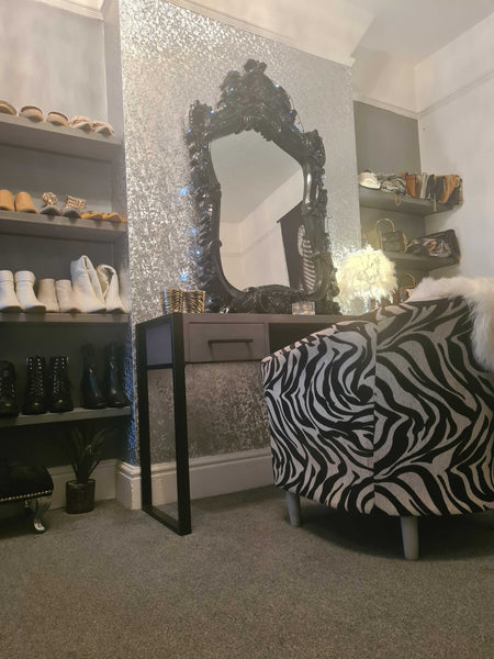 CONTEMPORARY' Grey Wash Dressing Table