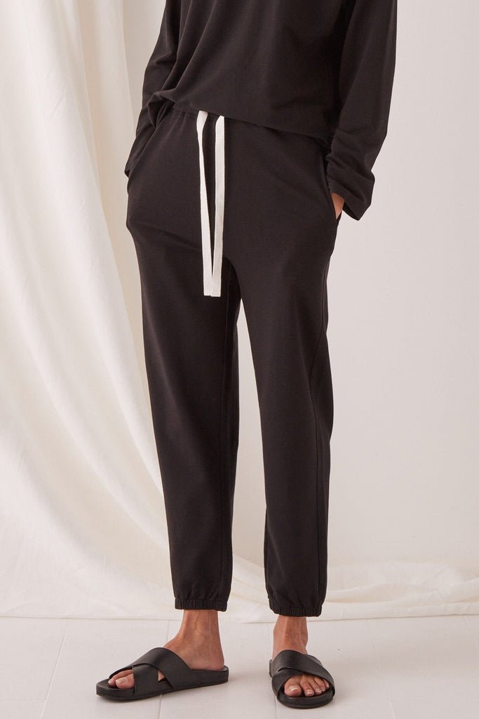 ASSEMBLY Kin Trackpant Black Front