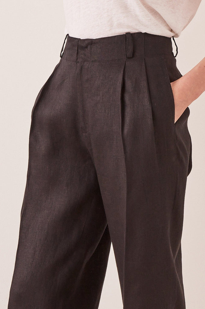 ASSEMBLY Tailored Linen Pant Black Front Detail