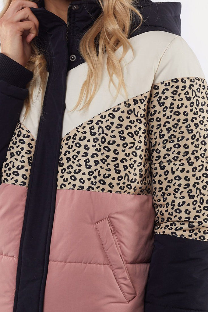 ALL ABOUT EVE Distinct Panel Puffer Multi Close Up
