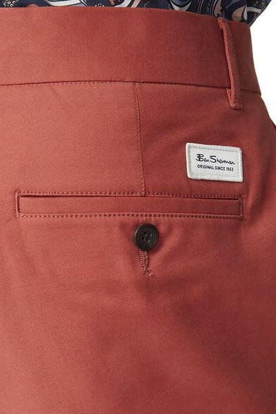 BEN SHERMAN Signature Chino Short Terracotta back Pocket Detail