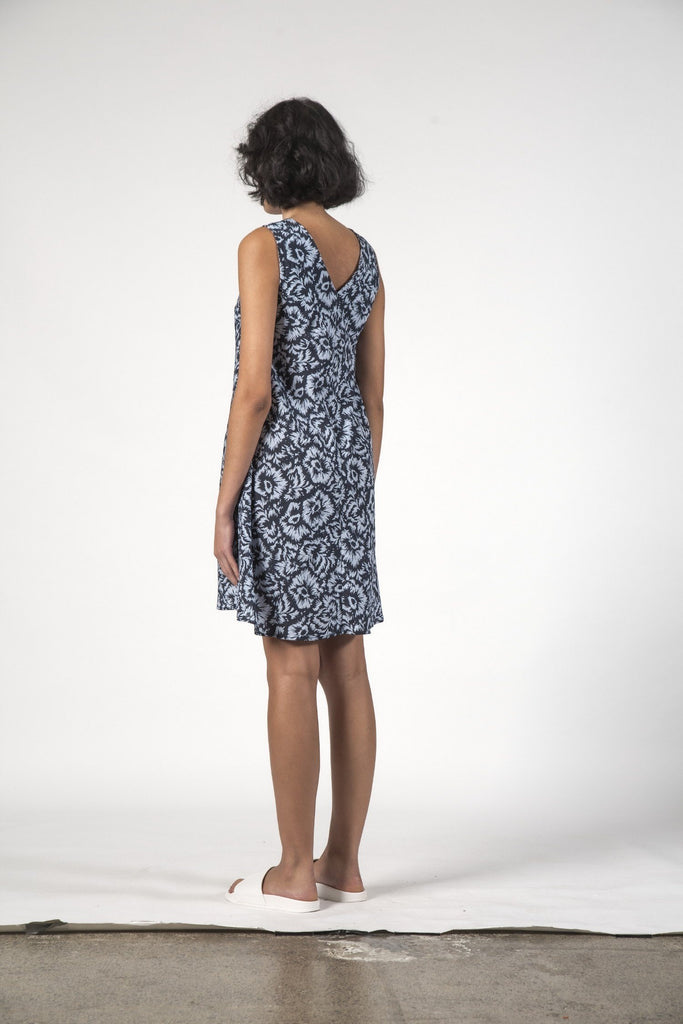 THINGTHING Estelle Dress Jagged Flower Back Angle