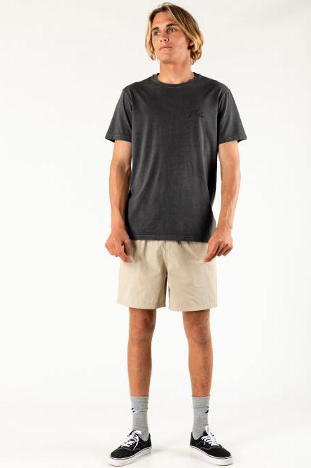 RUSTY Comp Wash Tee Washed Black Front Full