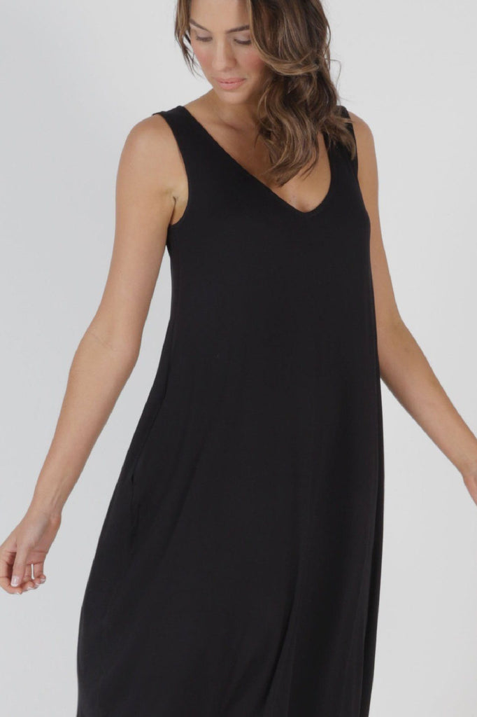 BETTY BASICS Oman Dress Black Front Detail