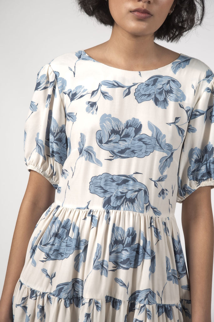 THINGTHING Poppy Dress Blue Floral Front Detail