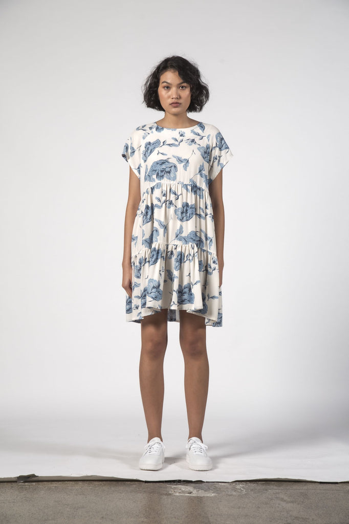 THINGTHING Twirl Dress Floral Blue Front