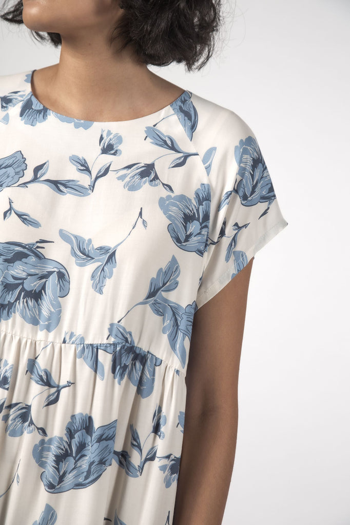 THINGTHING Twirl Dress Floral Blue Top detail
