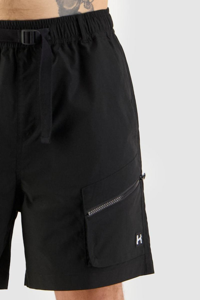 HUFFER Hike Short Black Front Detail