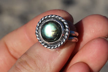 Load image into Gallery viewer, Size 9.5 Labradorite Ring