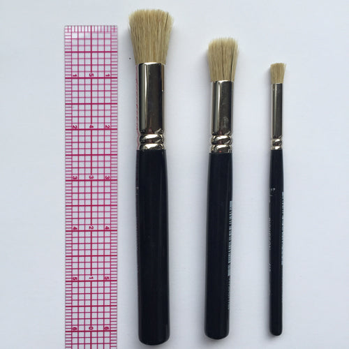 P 04 Stencil Brushes