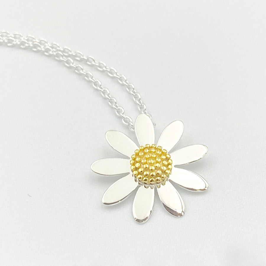 Daisy 18mm sterling silver gold plated pendant