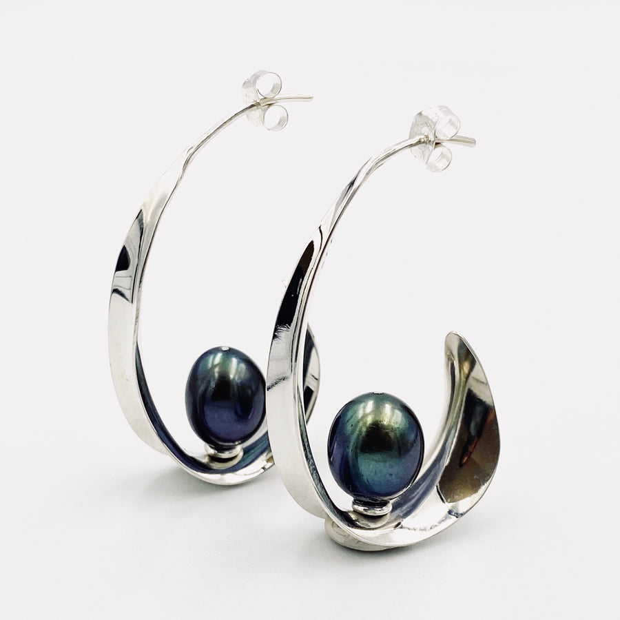 Oval sterling silver black fresh water pearl earrings