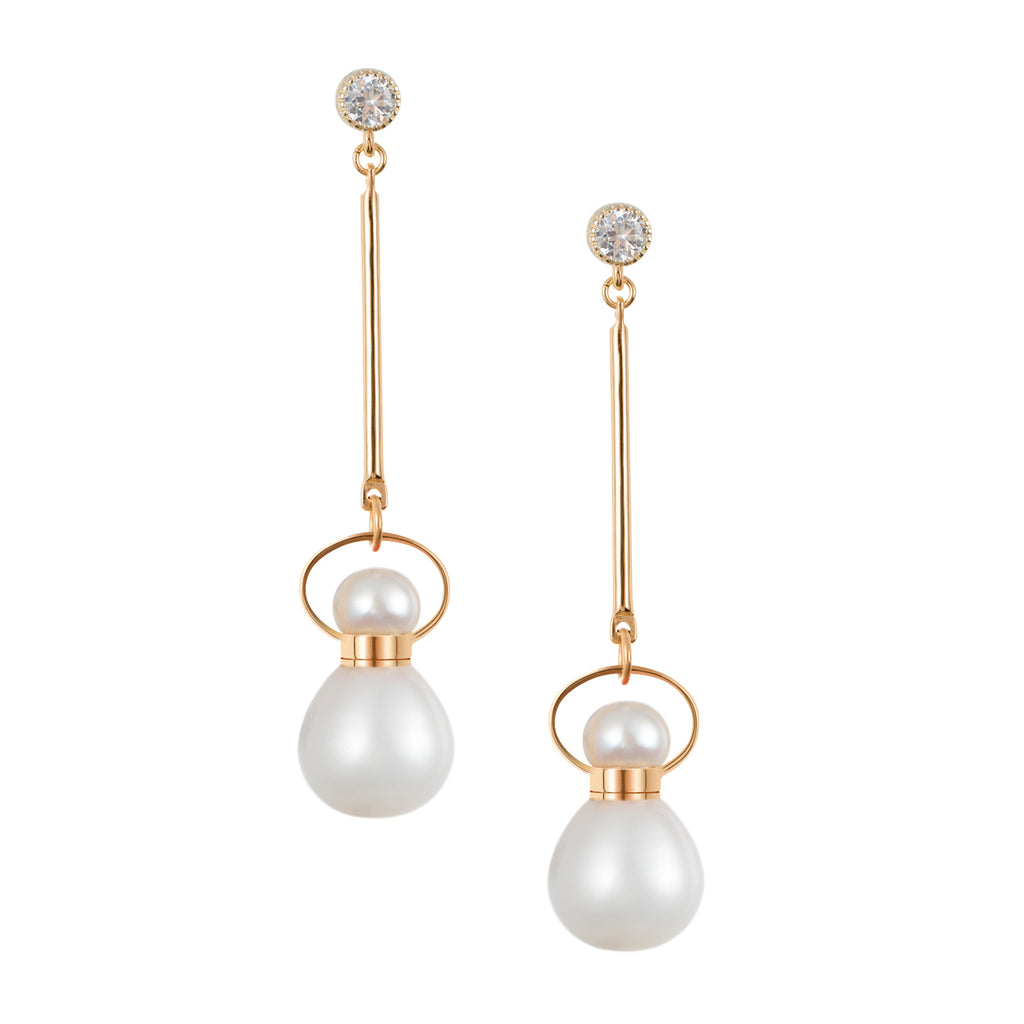 TWEETY | Pearl Dangling Earrings