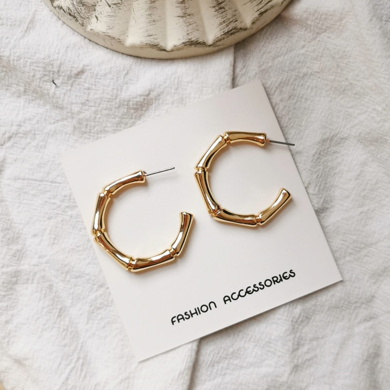 Deformation shape earrings