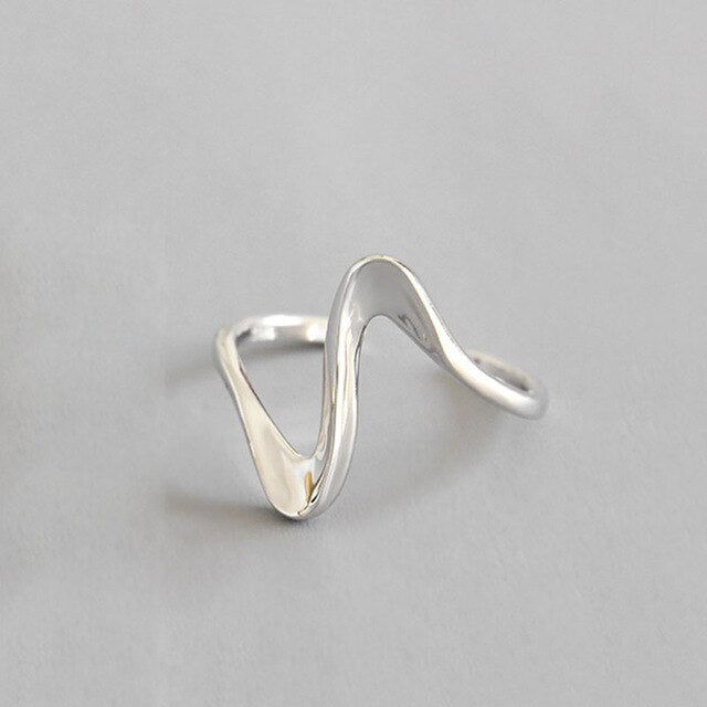 Creative Waves Design Ring