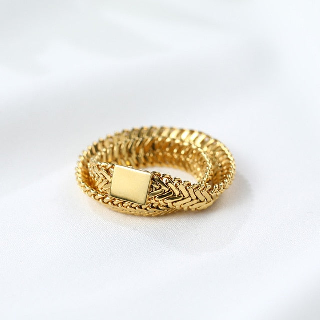 Double Layered Crossed Ring