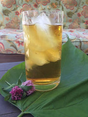 Oolong sun tea in a glass