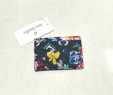 Load image into Gallery viewer, VERA BRADLEY - Iconic Slim And Case Cotton (Pretty Posies)