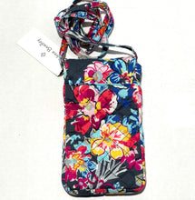 Load image into Gallery viewer, VERA BRADLEY - Carson Cellphone Crossbody Bag (Pretty Posies)