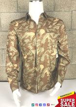 Load image into Gallery viewer, Levi's Men's Camo Button-up Shirt