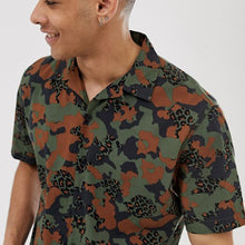 Load image into Gallery viewer, Men  Camo Print Short Sleeves Shirt
