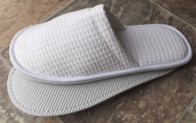 Waffle closed toe slippers