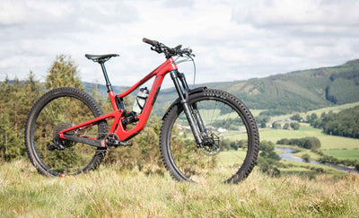 Staff Bike Check - Janey's Small Juliana Maverick CC Enduro Bike