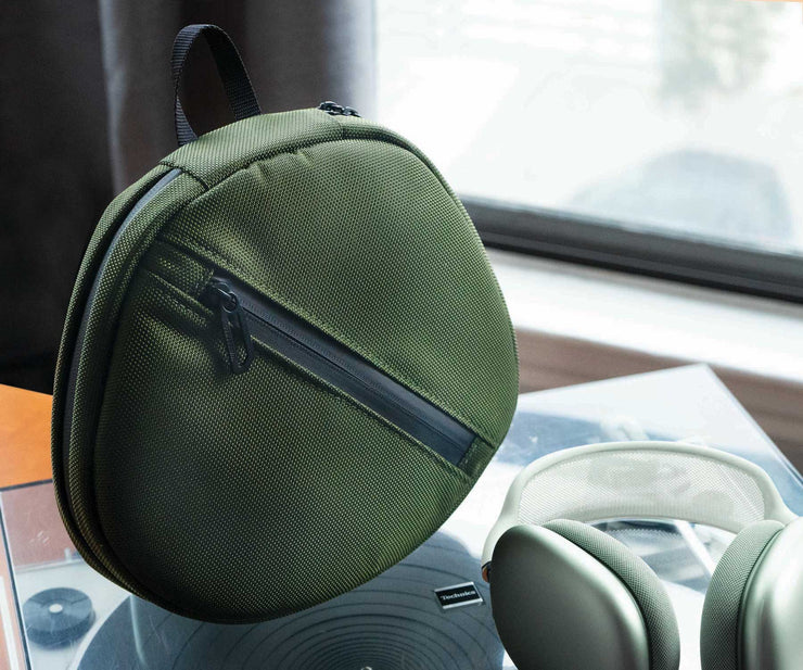 High-performance, premium Forza textile match headset colors