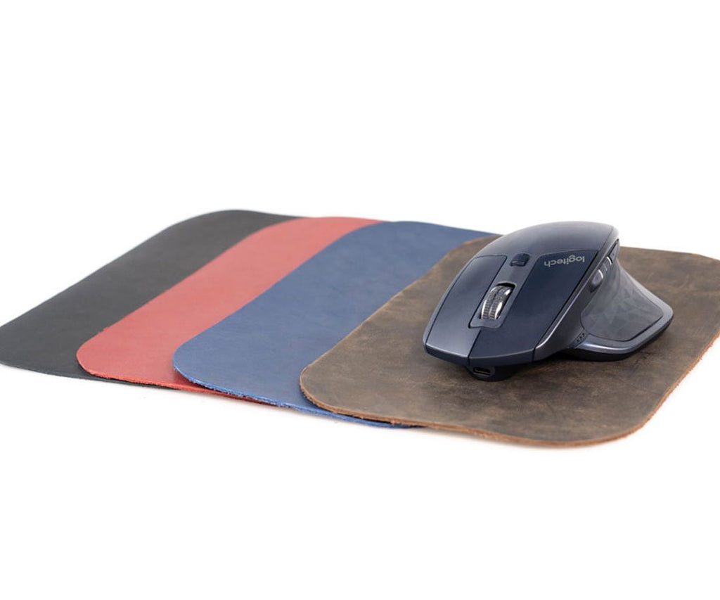 Includes matching full grain leather mouse pad