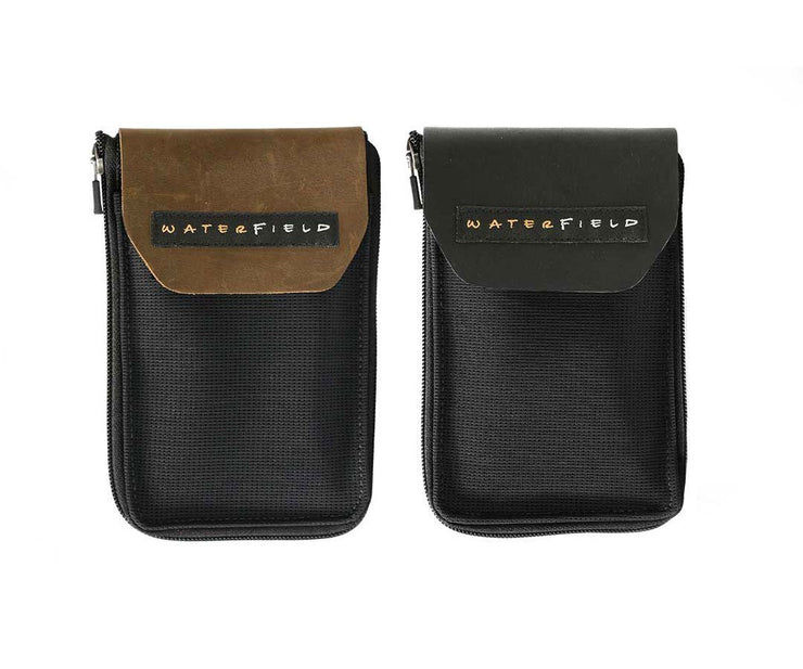 Back view. Flap in full grain Grizzly or Black Leather