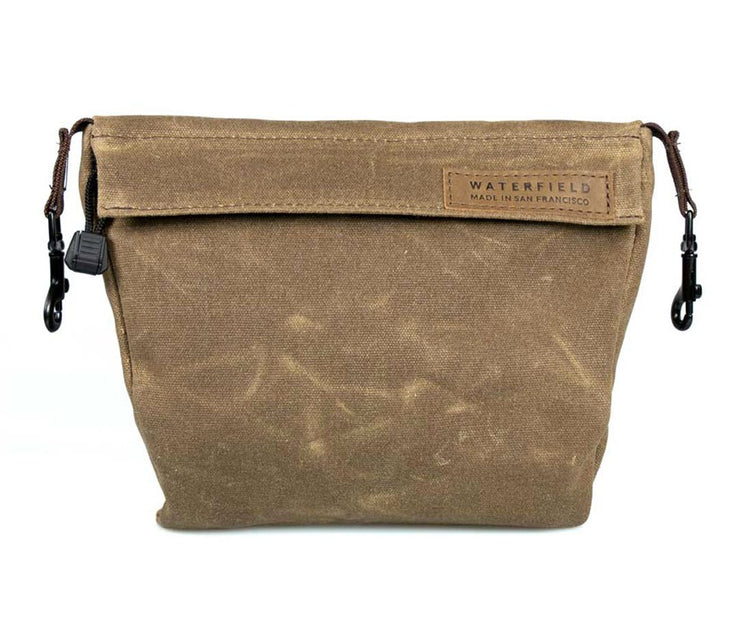OPTIONAL Piggyback comes  in matching waxed canvas or ballistic nylon