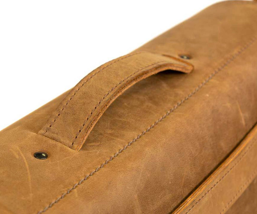 Sturdy, dual-layer leather handle