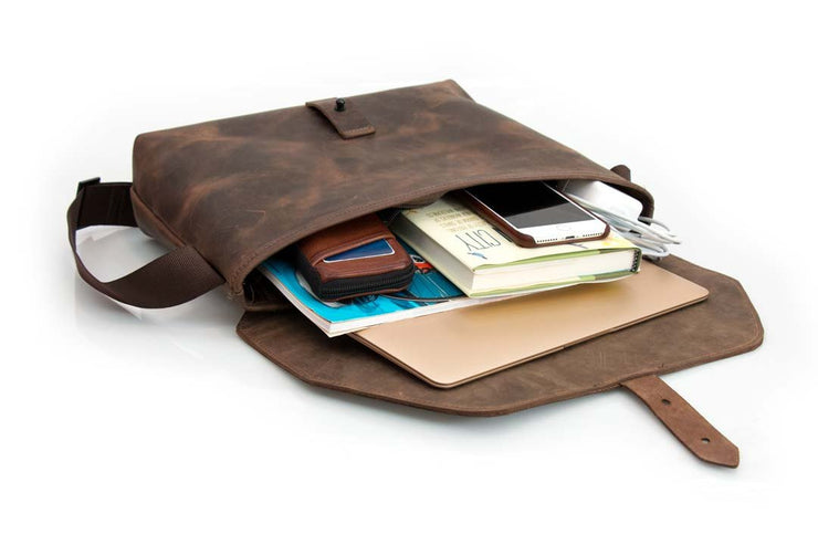 Fits laptops and tablets