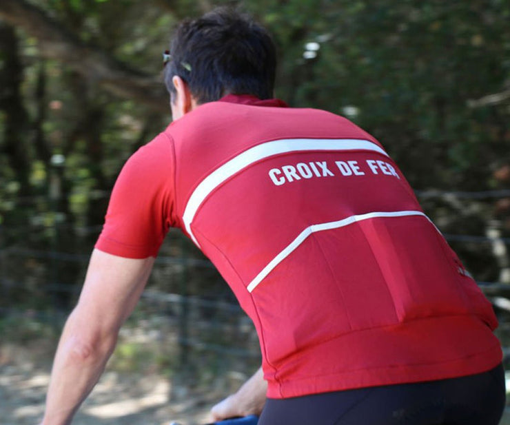 Custom-fit for back jersey pocket for more comfortable ride