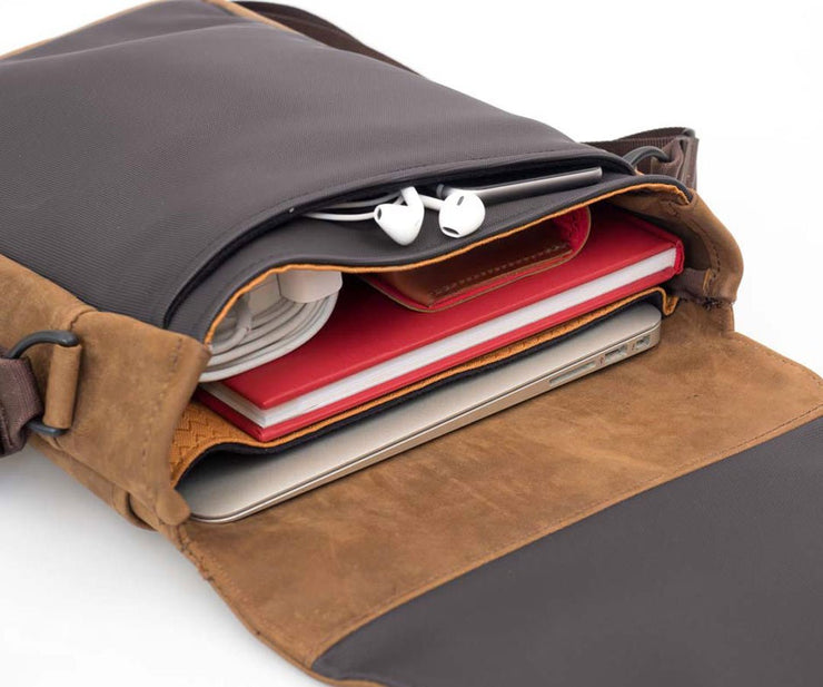 MacBook fit in the built-in padded compartment