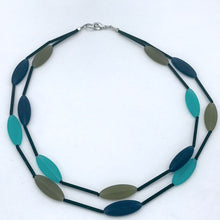 Load image into Gallery viewer, Murano glass Necklace oval beads short turquoise and navy