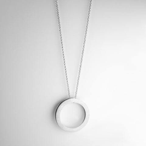 GEOMETRIC round long necklace
