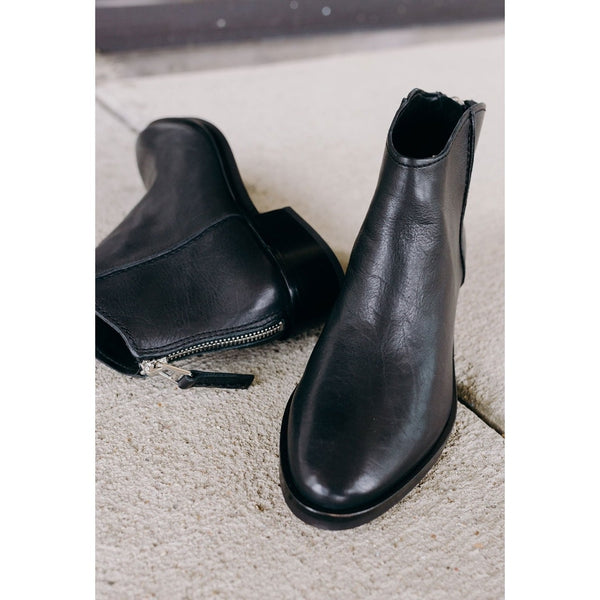 Dolce Vita Tucker Black Booties