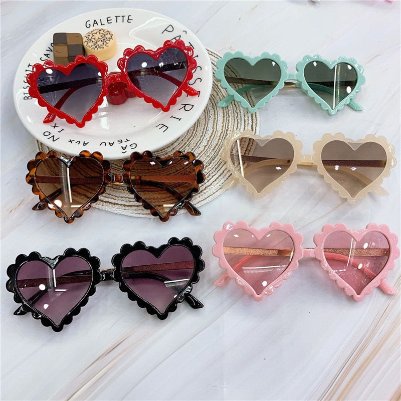 Cute Love Kids Sunglasses Plastic Heart Sunglasses For boys and girls