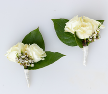 Load image into Gallery viewer, Clean and Green Boutonniere