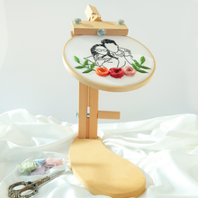 Load image into Gallery viewer, Embroidery Hoop Stand