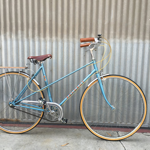 Women's City Bike - Peugeot Mixte - Vintage Beauty - Studio Rental