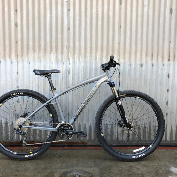 Mountain Bike - Diamondback - Modern - 2017 Model - Studio Rental