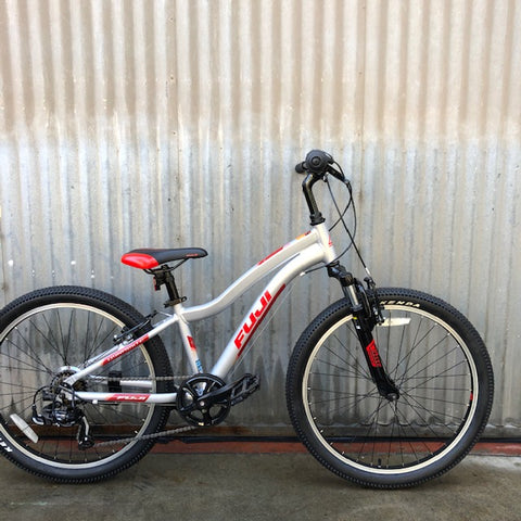 "Fuji Dynamite Big Kid's Mountain Bike with 24"" Wheels"