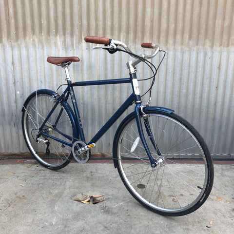 Gentleman's Globe - Modern City Bike with Classic Styling