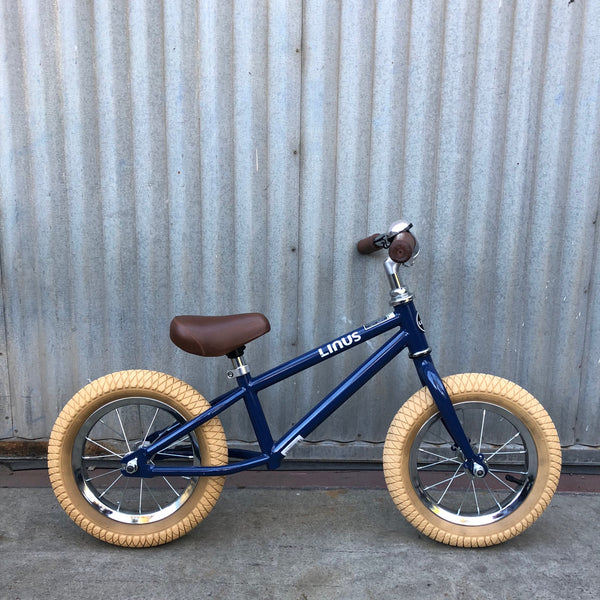 "Linus Lil Roadster Navy 12"" Balance Bike - Studio Rental"